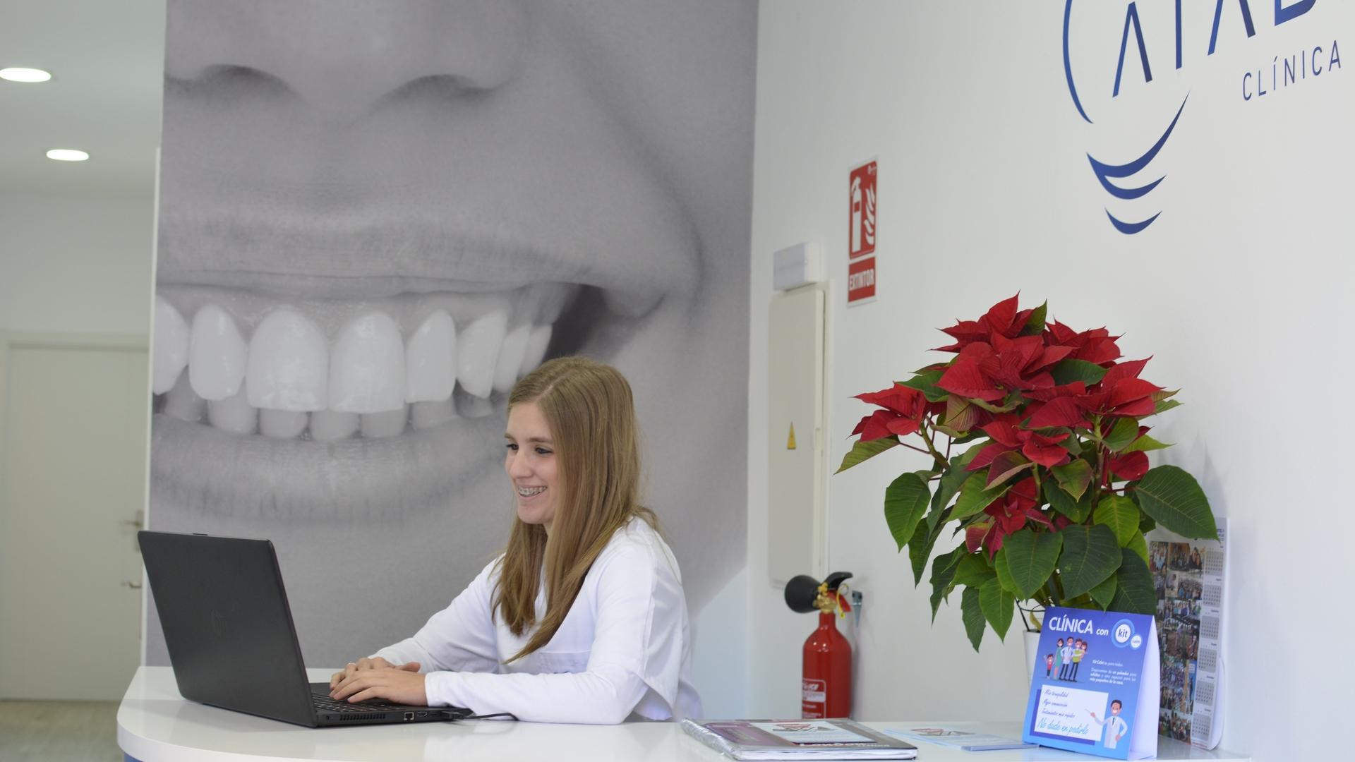 Odontología de precisión y tratamientos dentales sin dolor en Málaga.